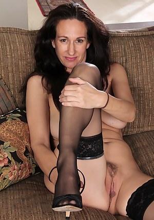 Nackt mature pussy Ardent Mums