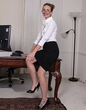 Free Office Mature Porn Pictures